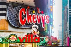 Segno del ristorante del ` s di Chevy vicino al Times Square Fotografie Stock