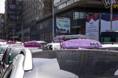 Segno del taxi di Belgrado Immagini Stock