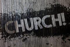 Segno del testo che mostra chiesa Backg di legno di legno della foto della cattedrale dell'altare della torre della cappella dell Fotografia Stock Libera da Diritti