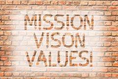 Segno del testo che mostra i valori di Vison di missione Pianificazione concettuale della foto per il mattone giusto di decisioni immagine stock