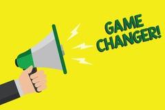 Segno del testo che mostra il commutatore del gioco La foto concettuale mette in mostra il megafono della tenuta di Gamestreams L fotografia stock libera da diritti
