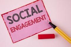 Segno del testo che mostra impegno sociale Il post concettuale della foto ottiene gli alti annunci SEO Advertising Marketing di s Fotografie Stock Libere da Diritti
