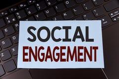 Segno del testo che mostra impegno sociale Il post concettuale della foto ottiene gli alti annunci SEO Advertising Marketing di s Immagini Stock Libere da Diritti