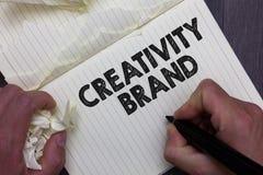 Segno del testo che mostra marca di creatività Nome o caratteristica concettuale di progettazione della foto che distinguono l'in immagini stock libere da diritti
