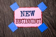 Segno del testo che mostra a nuovo inizio chiamata motivazionale Vita cambiante di crescita della forma di nuovo inizio concettua Immagine Stock
