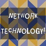 Segno del testo che mostra tecnologia di rete La foto concettuale trasmette i dati digitalmente con formazione dei sistemi di inf illustrazione di stock