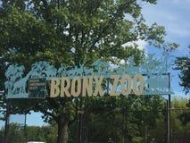 Segno dell'entrata dello zoo di Bronx Immagini Stock Libere da Diritti