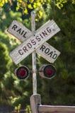 Segno dell'incrocio di ferrovia del paese Fotografie Stock