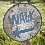 Segno della camminata dell'annata Fotografia Stock Libera da Diritti