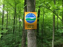 Segno della foresta dello Stato di New York Fotografie Stock Libere da Diritti