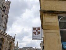 Segno della libreria dell'università visto nella città famosa di Cambridge, Regno Unito fotografia stock