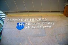 Segno della parete di Penn State Hershey Medical Center Immagini Stock Libere da Diritti