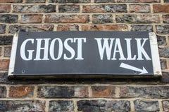 Segno della passeggiata del fantasma fotografie stock