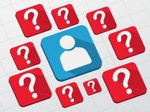 Segno della persona con i punti interrogativi in blocchi piani Immagini Stock