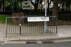 Segno della proprietà di Heygate, Londra Immagini Stock