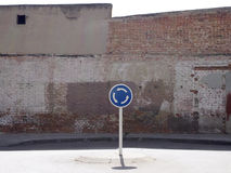 Segno della rotonda Fotografia Stock Libera da Diritti