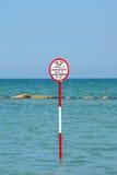 Segno della spiaggia - mar Mediterraneo Fotografia Stock Libera da Diritti