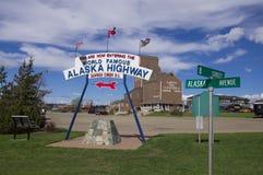 Segno della strada principale dell'Alaska Fotografia Stock