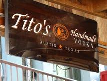 Segno della vodka di Tito fotografia stock