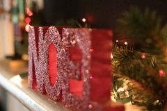 Segno delle luci di Natale e di Noel fotografia stock libera da diritti
