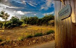 Segno dentro un villaggio del Cipro Fotografia Stock Libera da Diritti