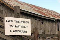 Segno di agricoltura su un granaio del paese Immagini Stock