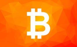 Segno di Bitcoin su poli fondo arancio basso Simbolo di Cryptocurrency digitale Fotografia Stock Libera da Diritti