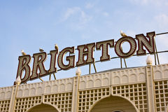 Segno di Brighton sul pilastro di Brighton Immagini Stock