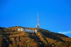 Segno di Hollywood sulla collina in valle di California Fotografia Stock Libera da Diritti