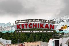 Segno di Ketchikan di benvenuto dell'Alaska Fotografie Stock Libere da Diritti