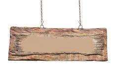 Segno di legno in bianco che appende su una catena isolata Immagini Stock