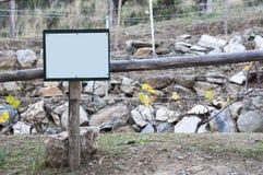 Segno di legno per il raccolto dell'uva, vuoto Immagini Stock Libere da Diritti