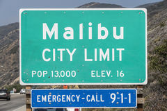 Segno di limite di città di Malibu Fotografia Stock