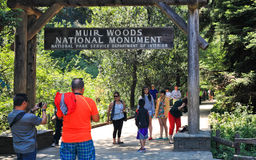 Segno di Muir Woods National Monument Entrance Fotografia Stock Libera da Diritti