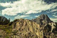 Segno di Paintend per trekking su un percorso delle alpi italiane Fotografie Stock