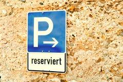 Segno 24 di parcheggio Fotografia Stock