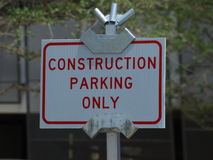 Segno di parcheggio della costruzione Fotografia Stock