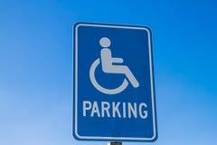 Segno di parcheggio di handicap fotografia stock