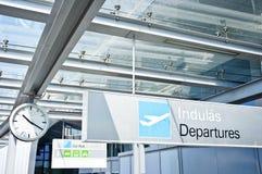 Segno di partenza all'aeroporto Immagini Stock Libere da Diritti