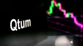 Segno di Qtum Cryptocurrency Il comportamento degli scambi di cryptocurrency, concetto Tecnologie finanziarie moderne illustrazione vettoriale