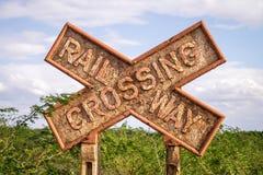 Segno di Rusty Railway Crossing, Kenya Fotografia Stock