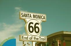 Segno di Santa Monica - estremità dell'itinerario 66 del treno Immagine Stock