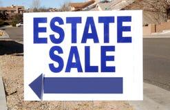 Segno di vendita della proprietà Fotografia Stock Libera da Diritti