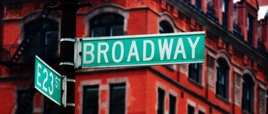 Segno di via del Broadway Fotografie Stock