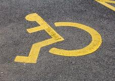 Segno disabile di parcheggio Fotografie Stock Libere da Diritti