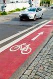 Segno e traffico della pista ciclabile Fotografia Stock Libera da Diritti