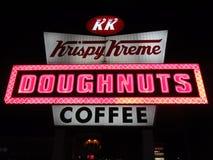 Segno elettrico di Krispy Kreme Fotografie Stock Libere da Diritti