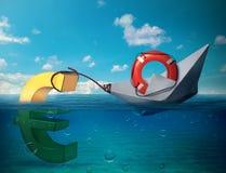 Segno euro d'affondamento Crisi di Europa Fotografie Stock