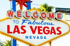 Segno famoso di Las Vegas il giorno luminoso fotografie stock