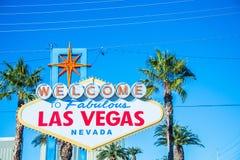 Segno famoso di Las Vegas su luminoso fotografie stock